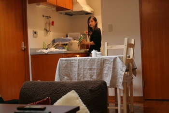 2010年『この部屋で私はアレをして』@都内マンション 撮影:村田まゆ