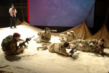 『砂と兵隊』舞台写真