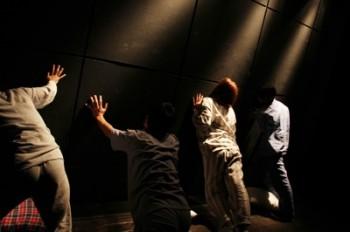 (2011)撮影:西泰宏(うさぎストライプ)